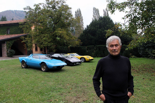 20_Marcello_Gandini_with_his_models.jpg
