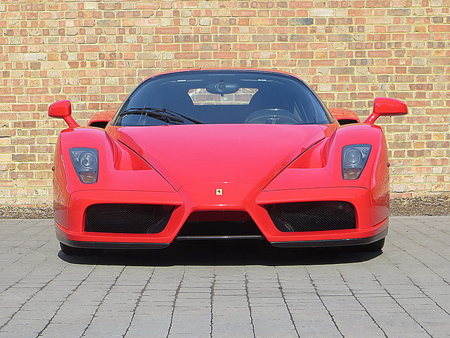 Ferrari_Enzo_for_sale_Vertually_brand_new_06.jpg