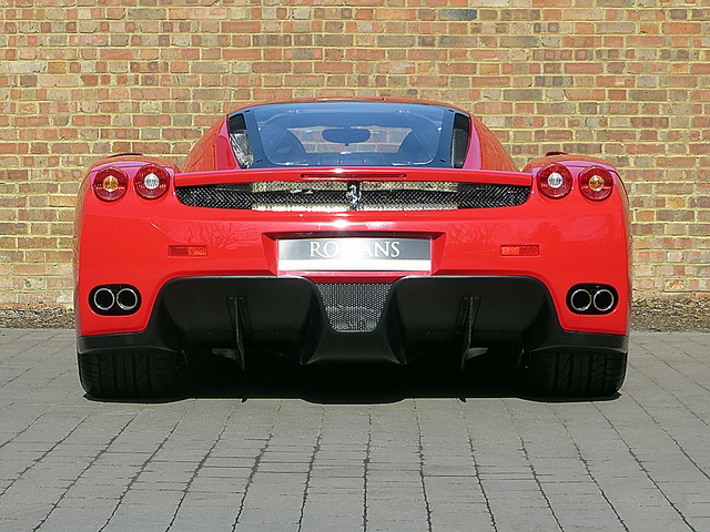 Ferrari_Enzo_for_sale_Vertually_brand_new_07.jpg