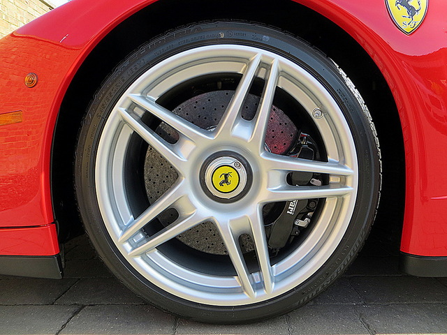 Ferrari_Enzo_for_sale_Vertually_brand_new_09.jpg