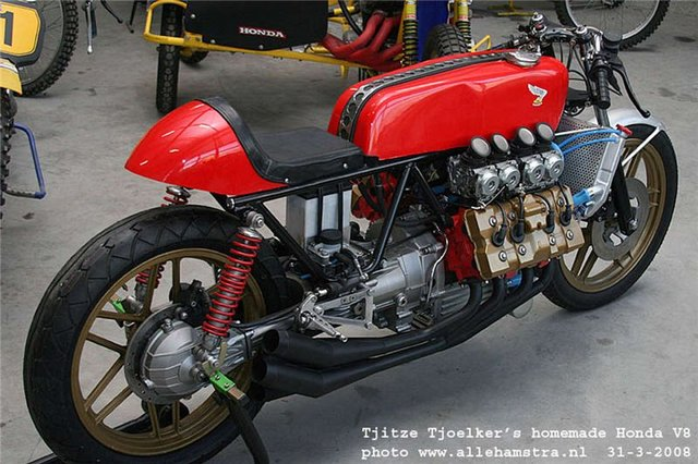 Honda_V8_Cafe_Racer_by_Tjitze_Tjoelkers_02.jpg