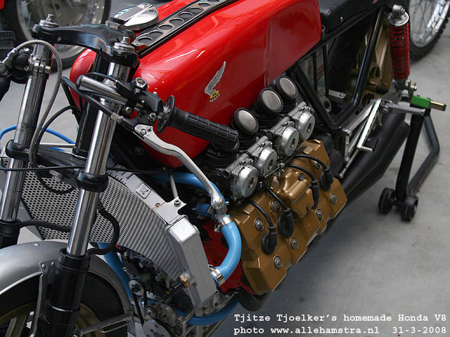 Honda_V8_Cafe_Racer_by_Tjitze_Tjoelkers_05.jpg