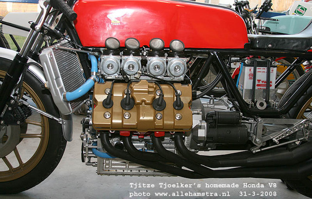 Honda_V8_Cafe_Racer_by_Tjitze_Tjoelkers_06.jpg