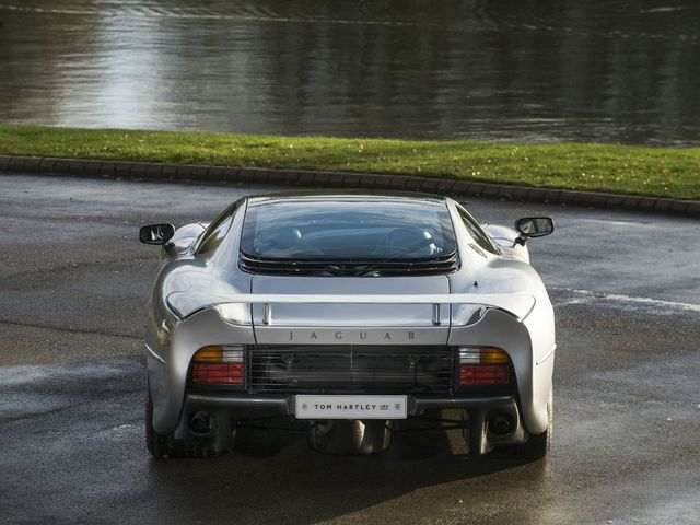 Jaguar_XJ220_for_sale_09.jpg