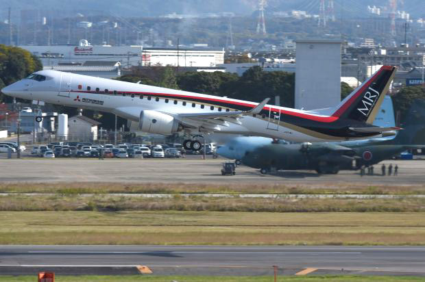 MRJ_first_test_flight_07.jpg
