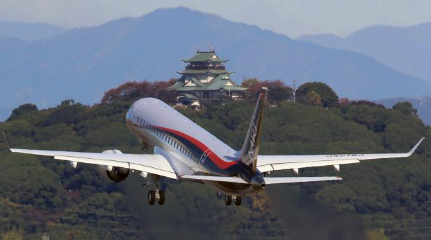 MRJ_first_test_flight_11.jpg