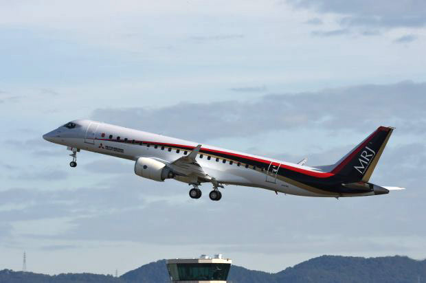 MRJ_first_test_flight_18.jpg